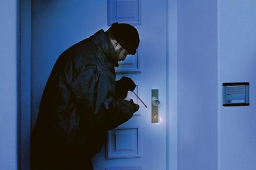 Zloděj u vchodových dveří HOPPE